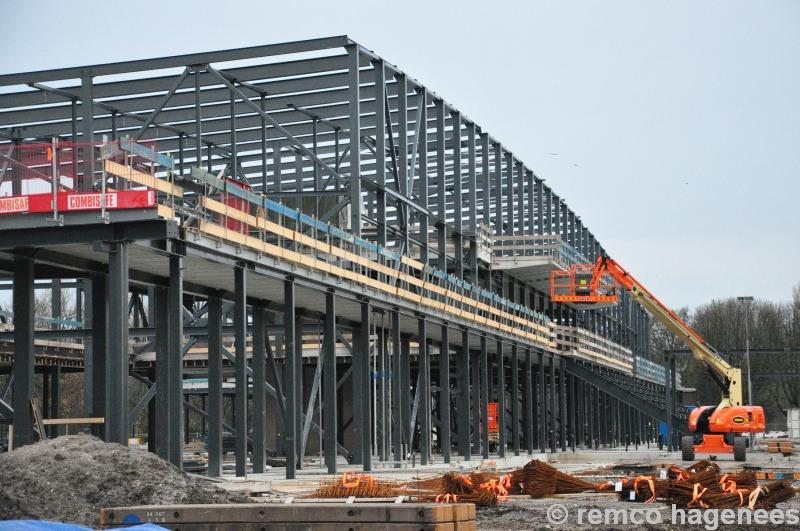 Foto 39 s nieuwbouw sportcampus en de aftrap in het for Nieuwbouw den haag